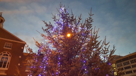 Christmas Parade lights up Uxbridge TownCentre